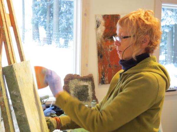 artist Carole Leslie in her studio